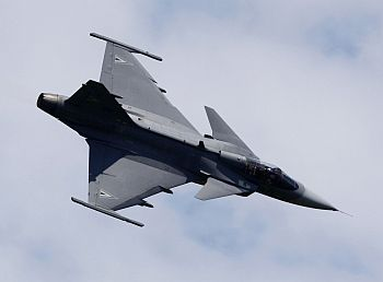 A Saab Jas 39 Gripen fighter in action during the AirPower 09 airshow in Zeltweg in the Austrian province of Styria