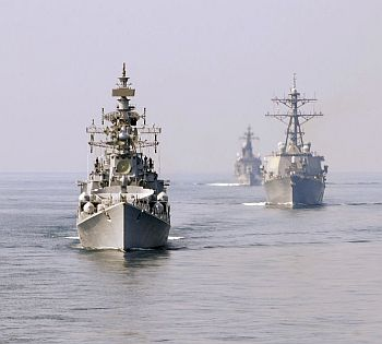 INS Ranvir (D54), left, USS Fitzgerald (DDG 62) and JDS Kurama (DDH 144) underway during Exercise Malabar '09
