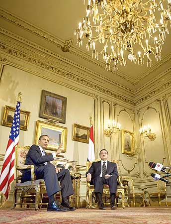 US President Barack Obama with Egypt's President Hosni Mubarak during their meeting at the Main Salon of Quba Palace in Cairo
