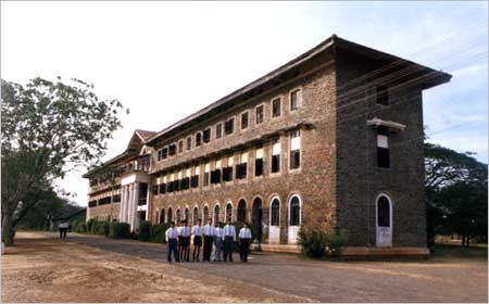 The Barnes School, Deolali