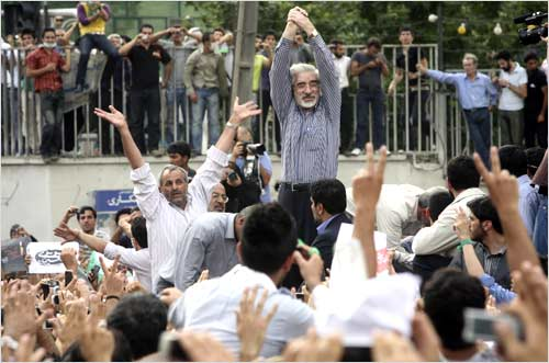 Defeated presidential candidate Mir Hossein Mousavi attends a rally in his support support in Teheran