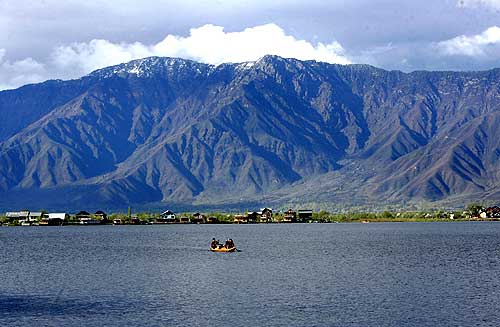 A breath-taking view of the Dal Lake