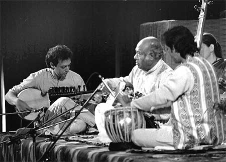 Ken Zuckerman , Ali Akbar Khan and Swapan Chaudhuri (on tabla) in concert