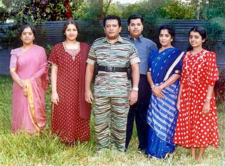 Prabhakaran with wife Mathivathani (2nd Left), son Charles Anthony and two unidentified relatives