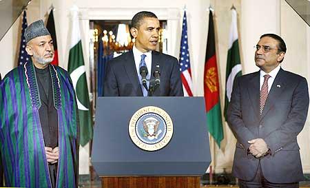 US President Barack Obama with Afghanistan President Hamid Karzai and Pak President Asif Ali Zardari