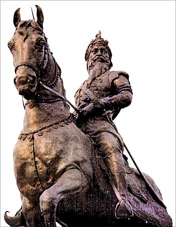 A statue of Maharaja Ranjit Singh in Amritsar.
