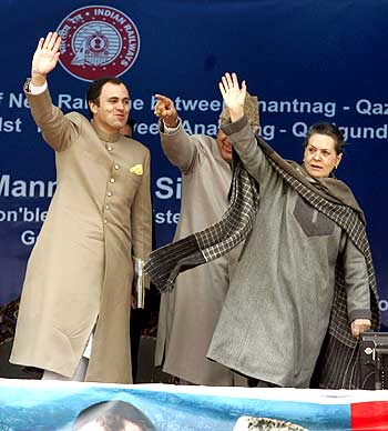 Chief Minister of Jammu and Kashmir Omar Abdullah and Congress president Sonia Gandhi at the inauguration of a train service in Anantnag