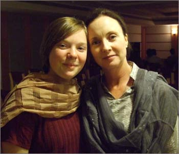 Helen, right, with Naomi Scherr, the teenager who died in the 26/11 terrorist attacks.