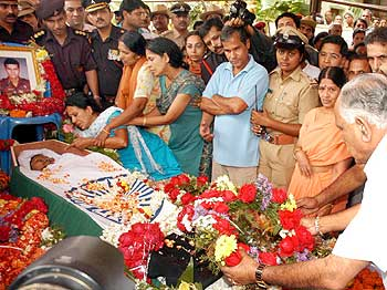 Image result for Here is everything you should know about Sandeep Unnikrishnan, Martyr Of 26/11