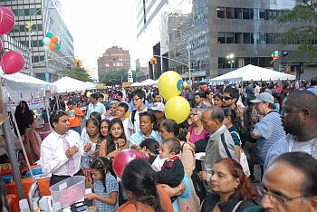 Indian community throngs the food stalls