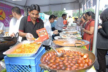 Steaming hot gulaab jamuns at a stall