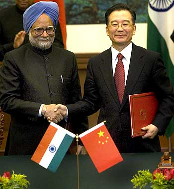 Prime Minister Manmohan Singh with Chinese Premier Wen Jiabao