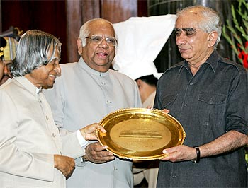 A file photograph of President APJ Abdul Kalam presenting the outstanding parliamentarian award for the year 2001 to Jaswant Singh as Speaker Somnath Chatterjee looks on