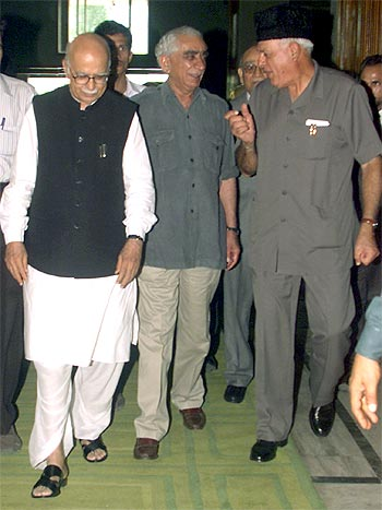 A file photograph of Jaswant Singh with L K Advani and National Conference leader Farooq Abdullah
