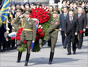 Russian leader Vladimir Putin at the Tomb of the Unknown Soldier in Moscow, May 2006