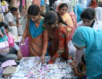 Eid shoppers at a Srinagar market