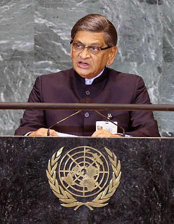 Krishna addressing the UN General Assembly