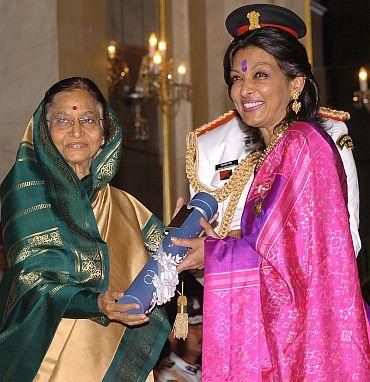 President Pratibha Patil presenting the Padma Bhushan Award to Dr Mallika V Sarabhhai
