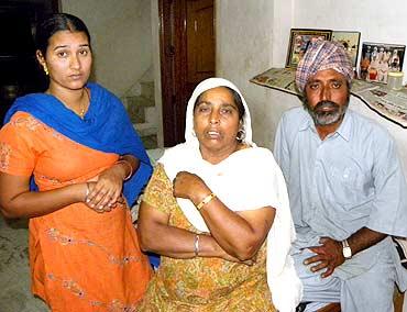 Daljeet Singh's sister Baljit, aunt Sakhminder and her husband