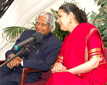 Kalam with Meera Sanyal