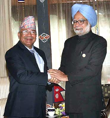 PM Manmohan Singh with Prime Minister of Nepal, Madhav Kumar Nepal
