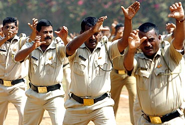 Mumbai police personnel demonstrate self-defence skills