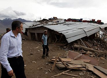 Chief Minister Omar Abdullah surveys a flood-hit area