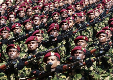 Sri Lankan commandos march in a parade