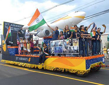 Mallika Sherawat glams up India Day parade