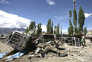 Death toll rises to 165