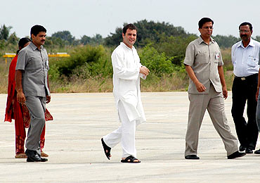 Rahul at Mandakalli airport in Mysore on Friday morning