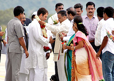 Congress leaders from Mysore greet Rahul