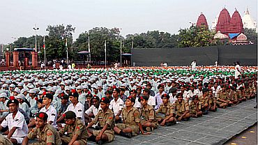 NCC cadets and school children attend the I-Day celebrations in New Delhi