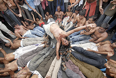 University students demonstrate for a separate Telangana