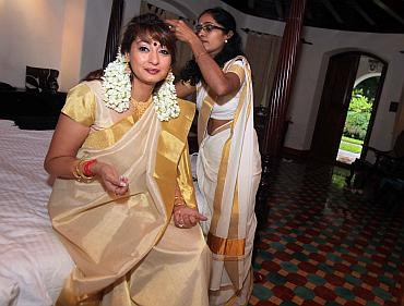Sunanda Pushkar prepares for the ceremony