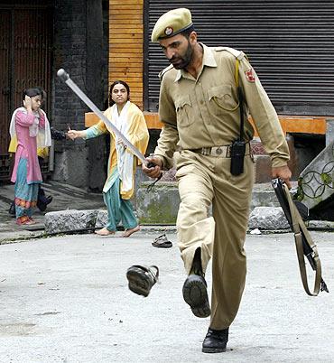 Scene from a Srinagar street