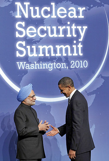 Dr Singh with US President Barack Obama at the Nuclear Security Summit in Washington, April 12, 2010
