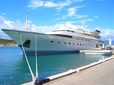 The Kingdom 5KR yacht