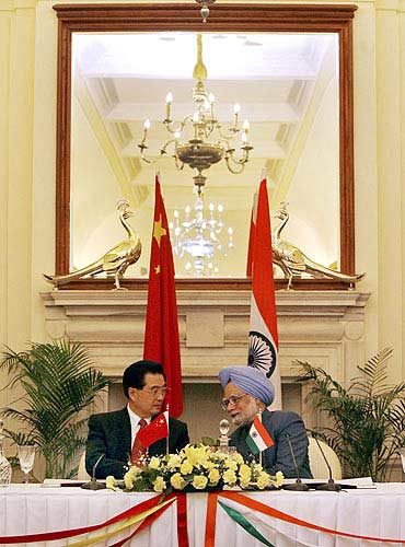 Prime Minister Manmohan Singh and Chinese President Hu Jintao