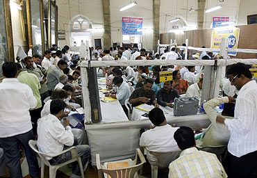 A view of a vote counting room in south Mumbai on May 16, 2009