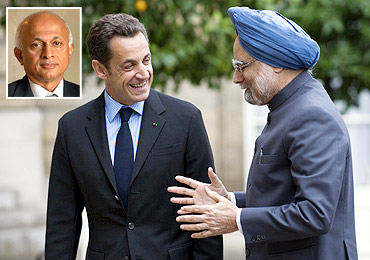 French President Nicolas Sarkozy and Prime Minister Manmohan Singh at the Elysee Palace in Paris, July 14, 2009. Inset: Ambassador Ranjan Mathai