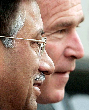 Former Pakistan President Pervez Musharraf with former US President George W Bush