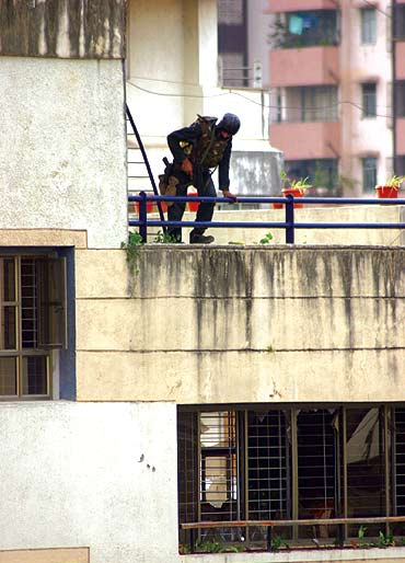 A National Security Group commando during the Chabad House operation, November 28, 2008, day three of the Mumbai attacks.