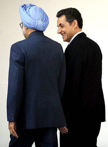 Sarkozy has a chat with Dr Singh at Hyderabad House in New Delhi on Monday
