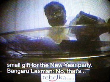 Video grab of former BJP chief Bangaru Laxman's Tehelka expose