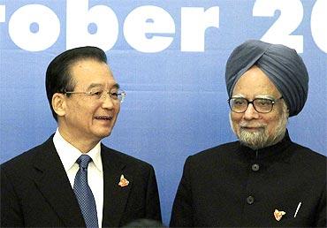 Wen Jiabao with Dr Manmohan Singh