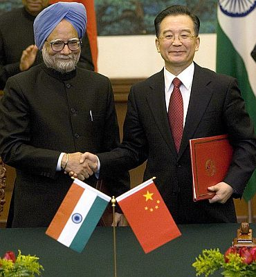 PM Manmohan Singh with Chinese counterpart Wen Jiabao
