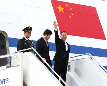 Chinese Premier Wen Jiabao arrives at the Air Force station Palam in New Delhi