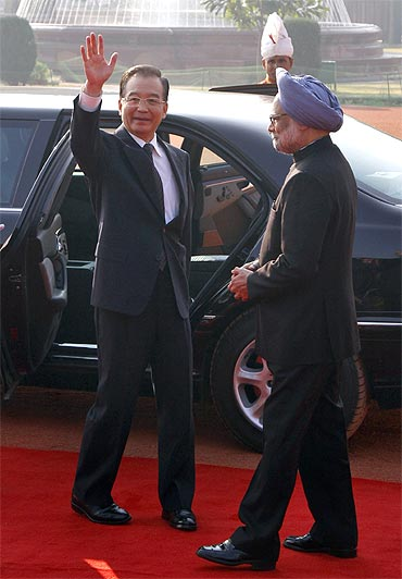 Chinese Premier Wen Jiabao with Prime Minister Manmohan Singh