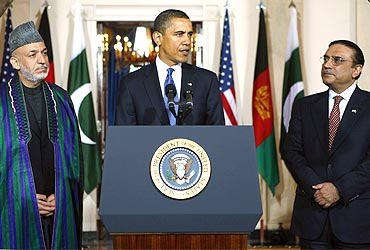 Obama with Afghanistan President Hamid Karzai and Pakistan President Asif Ali Zardari